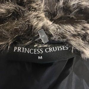 princess cruises Jackets & Coats - PRINCESS CRUISES FAUX FUR VEST SIZE M